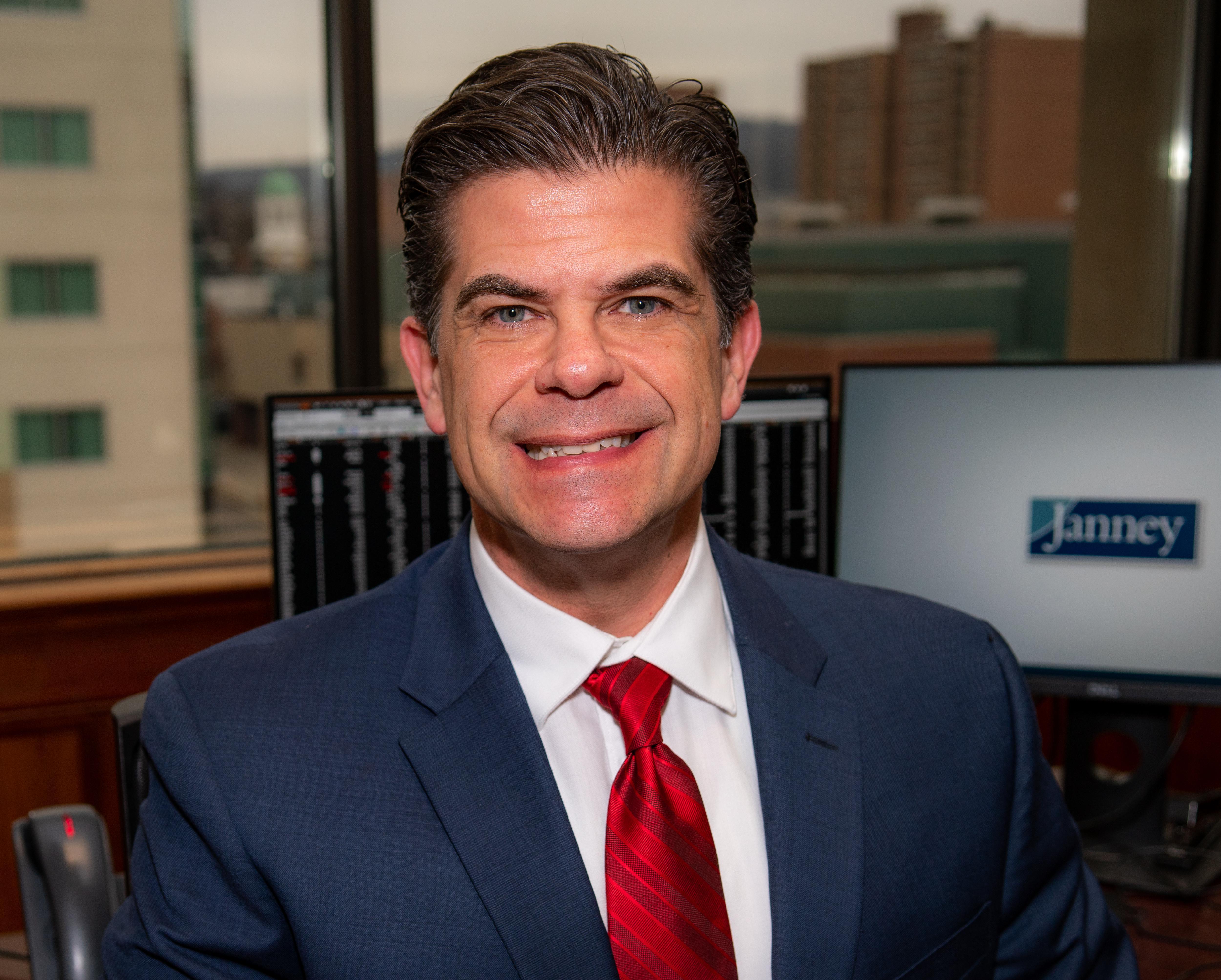 Chris Dikos Profile Photo
